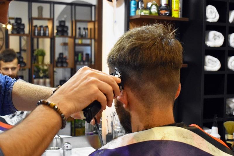 Víte, jak si správně říct o střih vlasů?